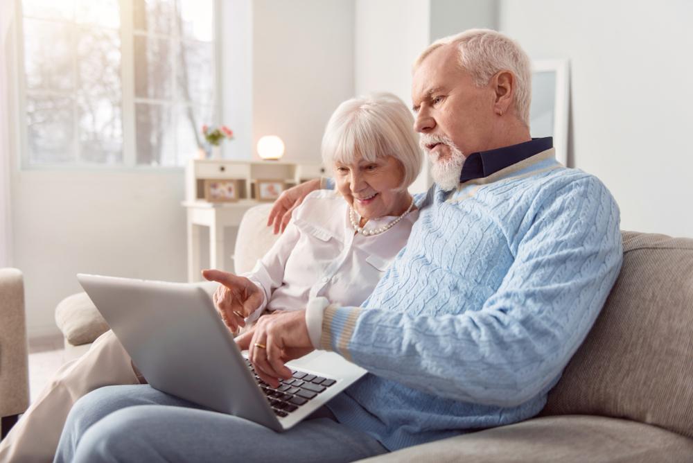 La qualité de vie des seniors améliorée par le web